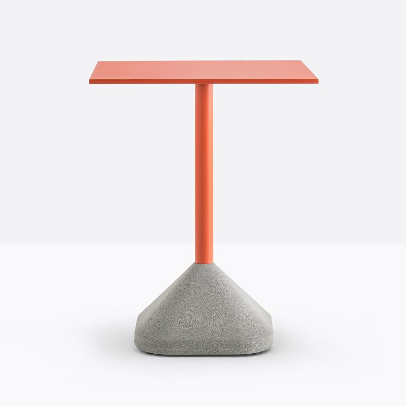 Concrete table by Perdali, design Pio e Tito Toso